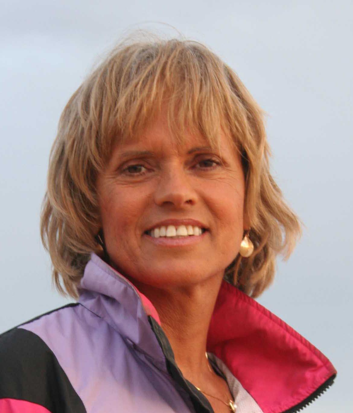 Dr JoAnn Dahlkoetter